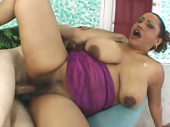 Horny milf gets her fat hairy pussy fucked