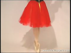 Amazing show of cuves by teen ballerina
