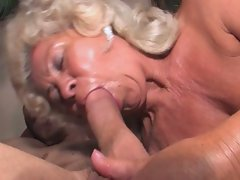 Horny grandma gets a hardcore pussy drilling