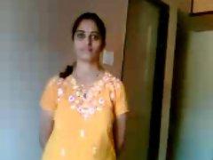 Shy Indian Aunty (Marathi) stripping
