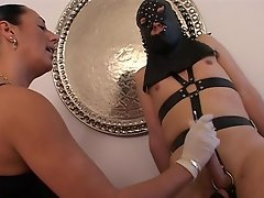 Leather couple in a nasty sexcpade...watch this girl gets nasty with...