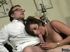 Vannah Sterling loves suck and blow cock for its jizz