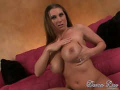 Devon Lee rub the hot milk of her partner to her tits