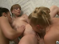 Sylvia Saint cunt lick with hot babes in a jacuzzi