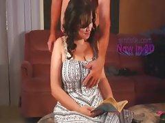 Female_Reader_5min_Ad