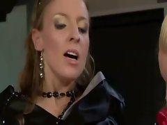 Glam babes suck and fuck during threeway