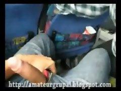 mamada en el autobus