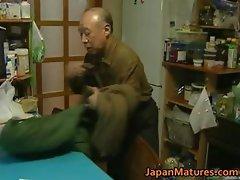 Japanese MILF enjoys hot sex part3