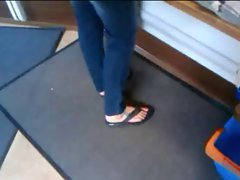 Feet in a grocery store - Fuesse bei Tante Emma