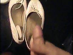 Cumming to a dirty ballet shoe