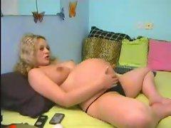 Pregnant 9 th realxing on webcam (MrNo)