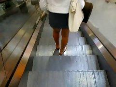 miniskirt public legs 2