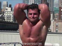 NYC gay Muscle worship escort
