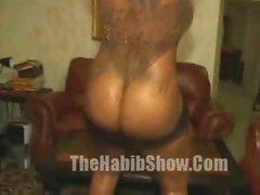 Stripping Big Booty Hood Lovin Hoe