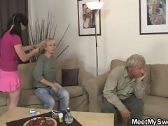 GF have fun with her BF&amp,#039,s mom and dad