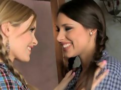 Country girls Zafira and Sophie Moone ride each others strap ons