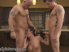 Veronica Avluv gets her revenge with a steamy threesome
