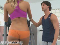 Hot fit bitch Nicole Aniston is nailed in the gym