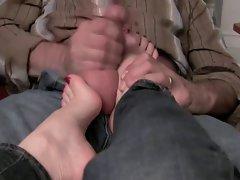 Jerking on Sexy Feet