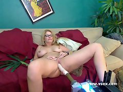 Milf Robbye Bentley live sex machine cam