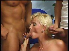 Blond short Hair vixen get two fabulous shafts