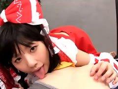 Touhou Cosplay - Reimu Hakurei