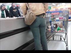Candid Wenches in Public Wearing Stiff Jeans - Scene 3