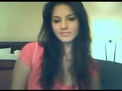 Sensual Curvy NRI Seductive indian Girlie On Webcam Showing Her Assets
