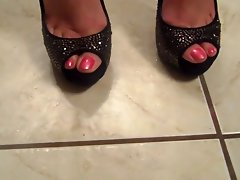sexual feet in high heels 2