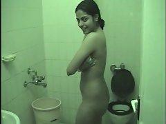 Seductive indian Actress Richa Pallod