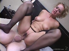 Slapper Kelly Leigh is crammed up her dripping twat