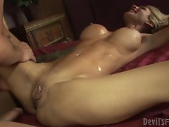 Insatiable Sarah Jessie gets splattered in man goo