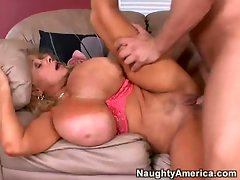 Big boobed babe Echo Valley cums hard while getting fucked in the pussy