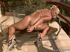 Angelica Diamond slid a dildo in her ass while sucking a massive cock
