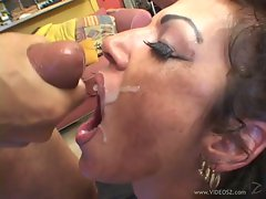 Anjelica Lauren like to get all the cum of a hot dude