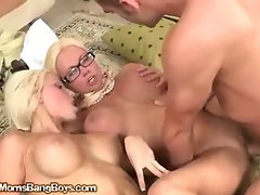 MILF Get Fucked And Her Little Girl Takes A Shot To The Face