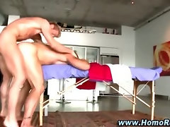 Masseuse bear ass fucked by turned straighty
