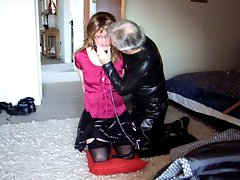 Elisabeth being pleasured with Master&amp,#039,s kiss