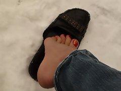 pretty feet in snow