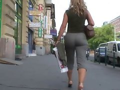 Amazing Mature&amp,#039,s Ass Walking