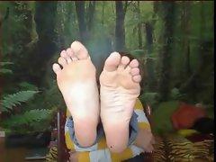 barefoot model 2