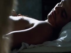 Alice Braga nude in Cidade Baixa