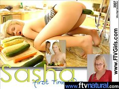 Sexy Teen Love To Play With Toys vid-04