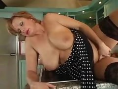 Full body mature takes young cock in her kitchen