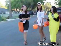 Amateur Girl Gives Handjob In Halloween Stunt