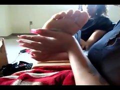 Amateur girl gets a foot massage