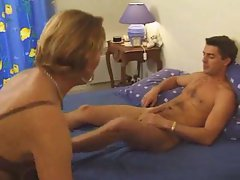 Fucking the French mom and loving her pussy