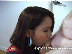 Melanie Filipino Amateur Teen 18+ Deep Throat Protagonist