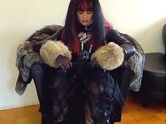 Jerking off in fur