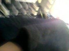 sous les jupes.